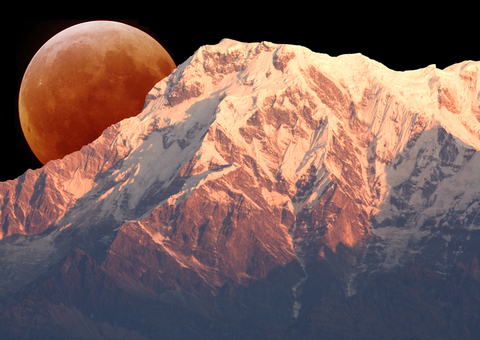 mount-annapurna-south-moon